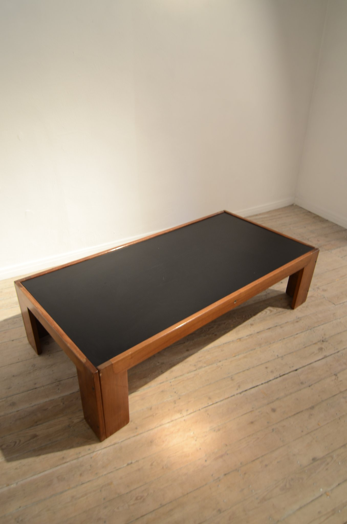 Scarpa coffee table