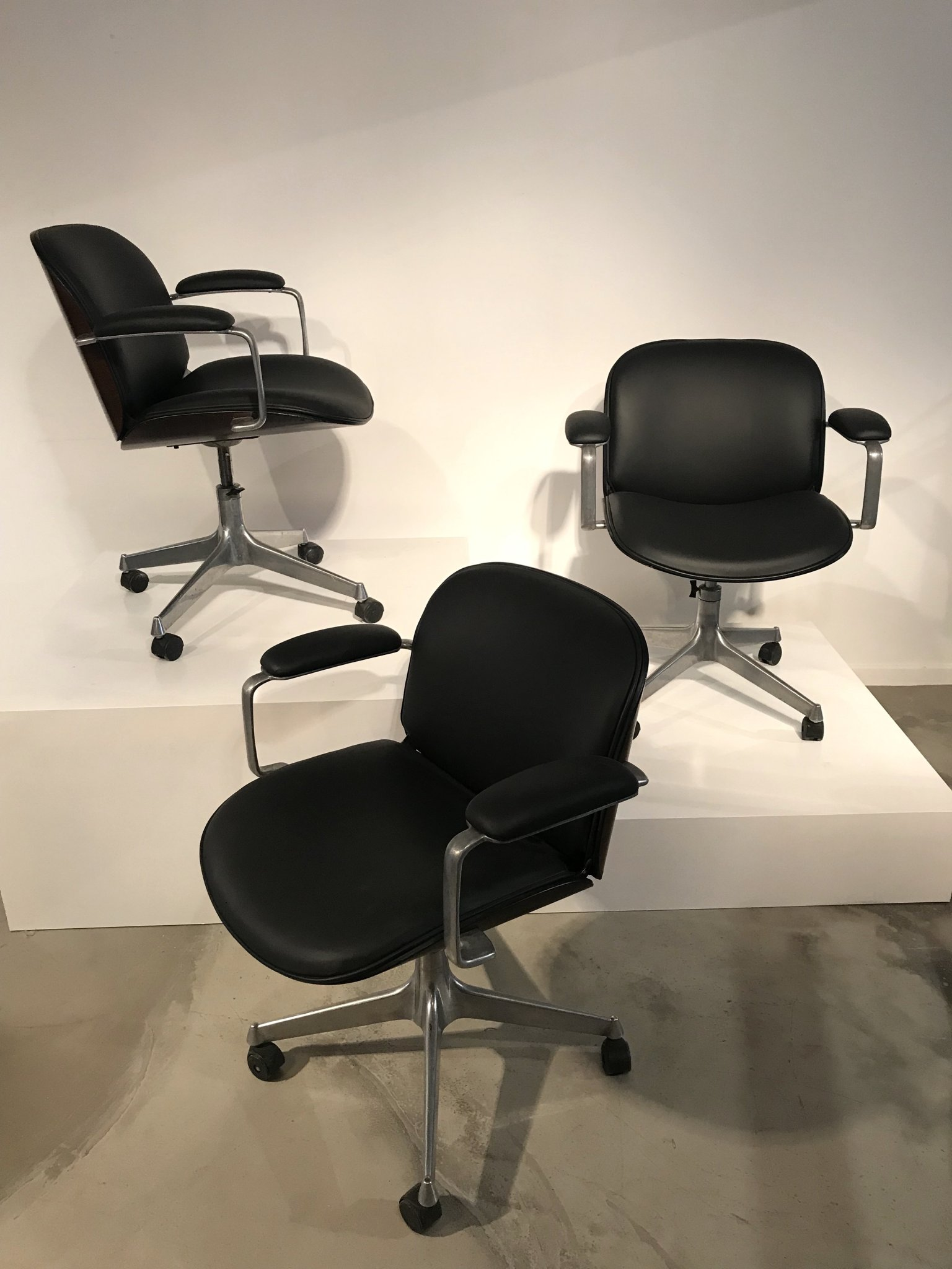 MIM office chairs