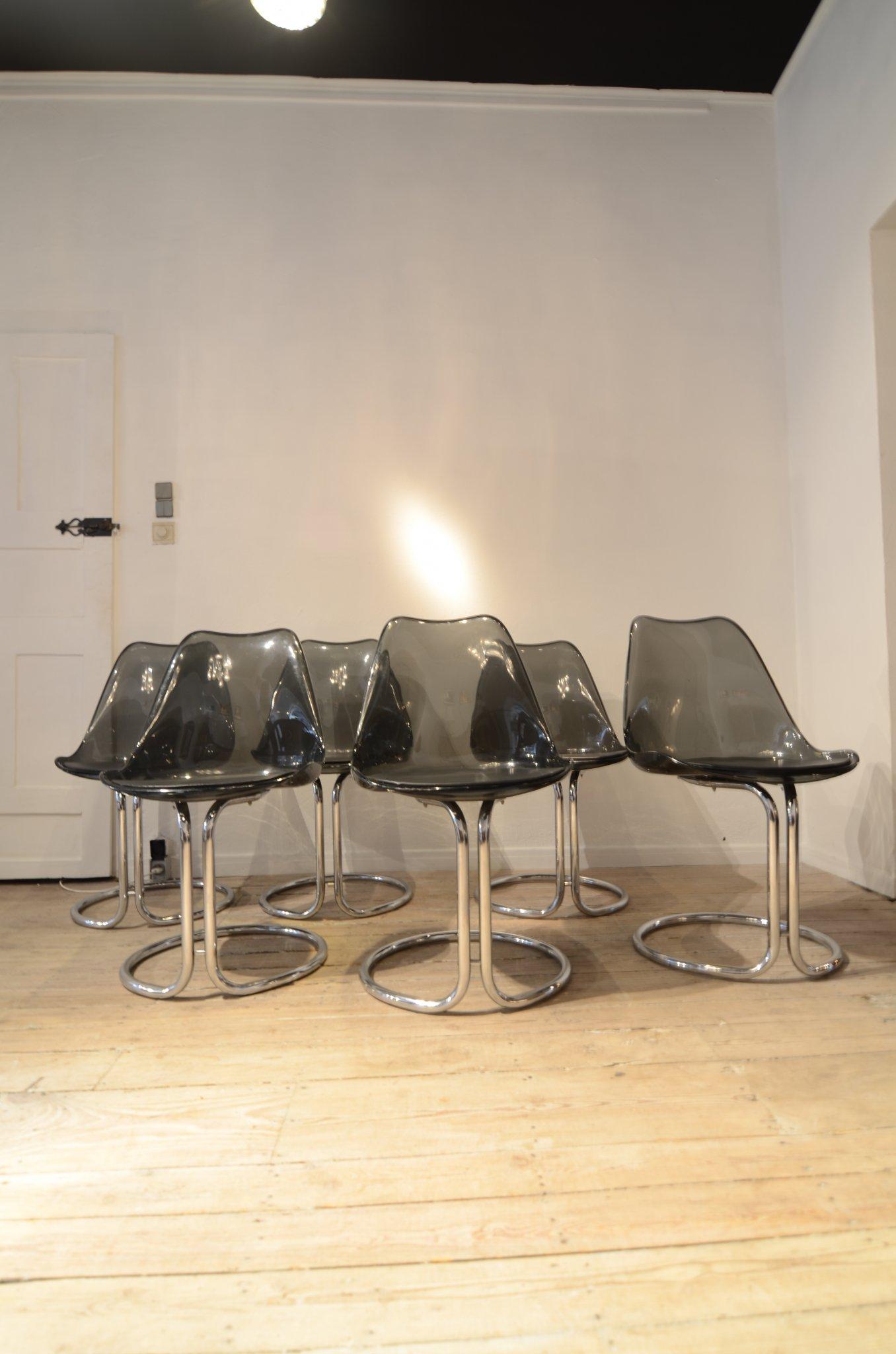 6 chromed leg chairs