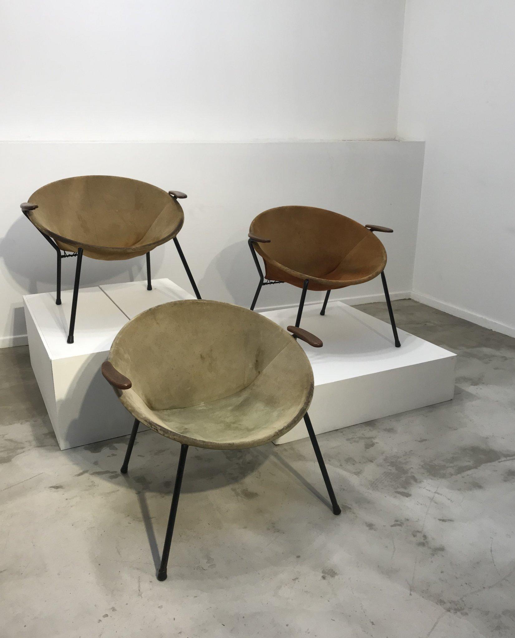 Set of 3 Hans Olsen Balloon chairs