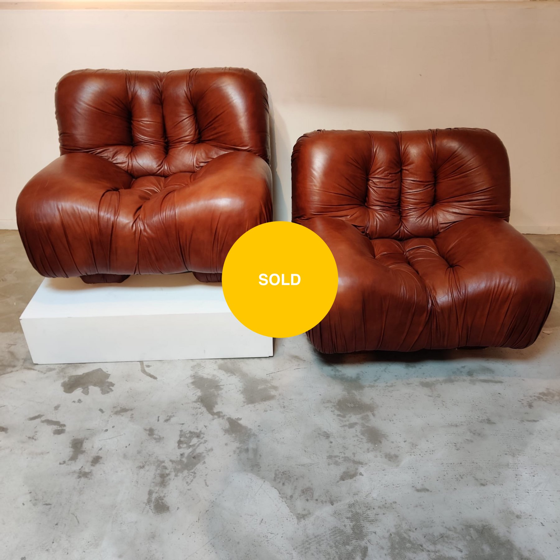 4 leather easy chairs