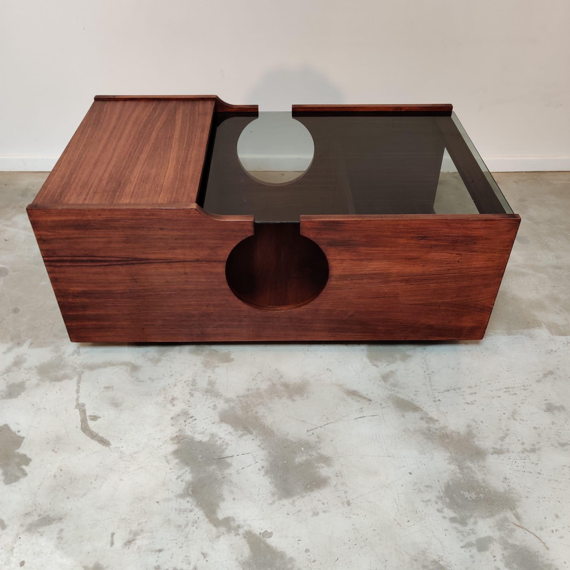 Modular italian wood coffee table