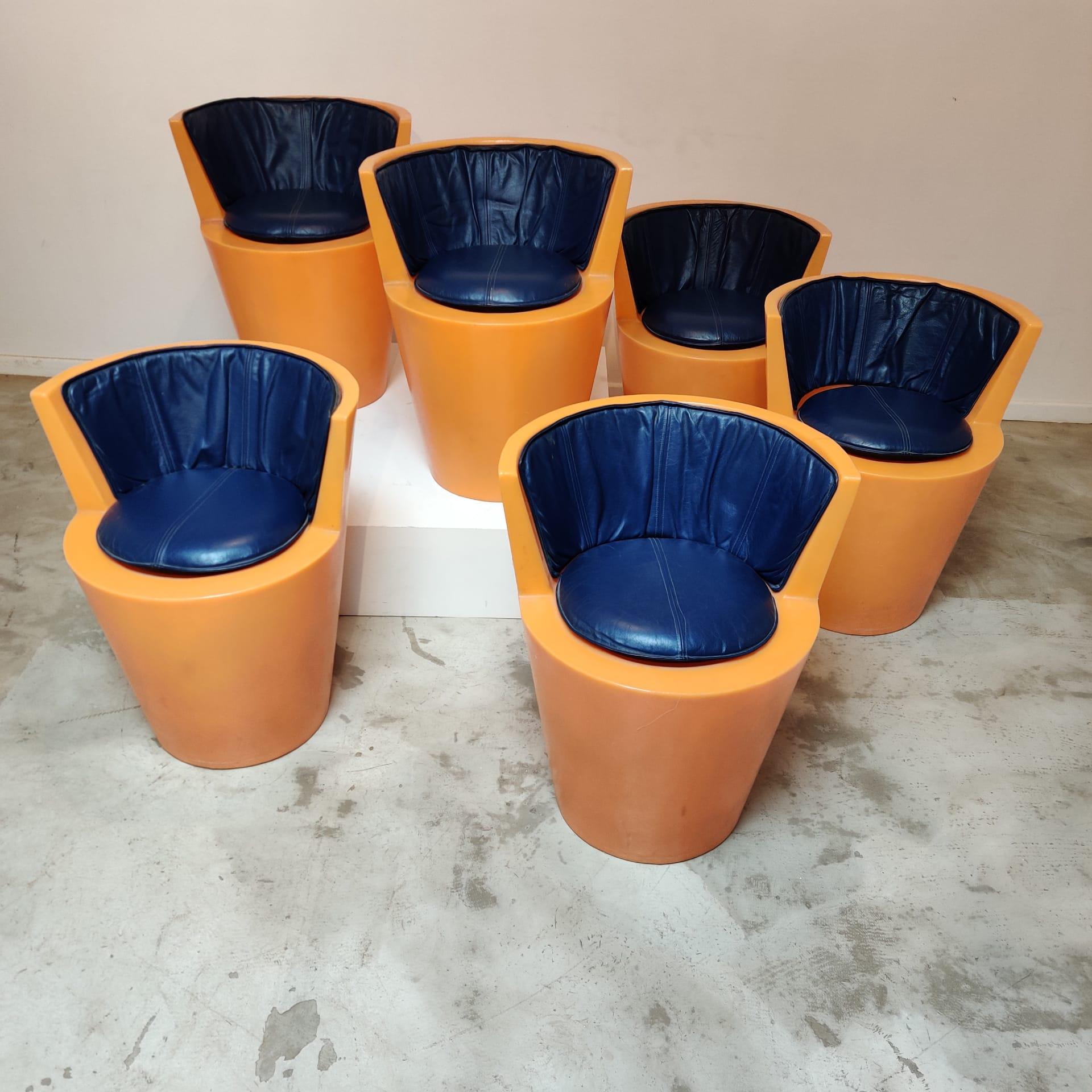 Set of 6 outdoor pop stools