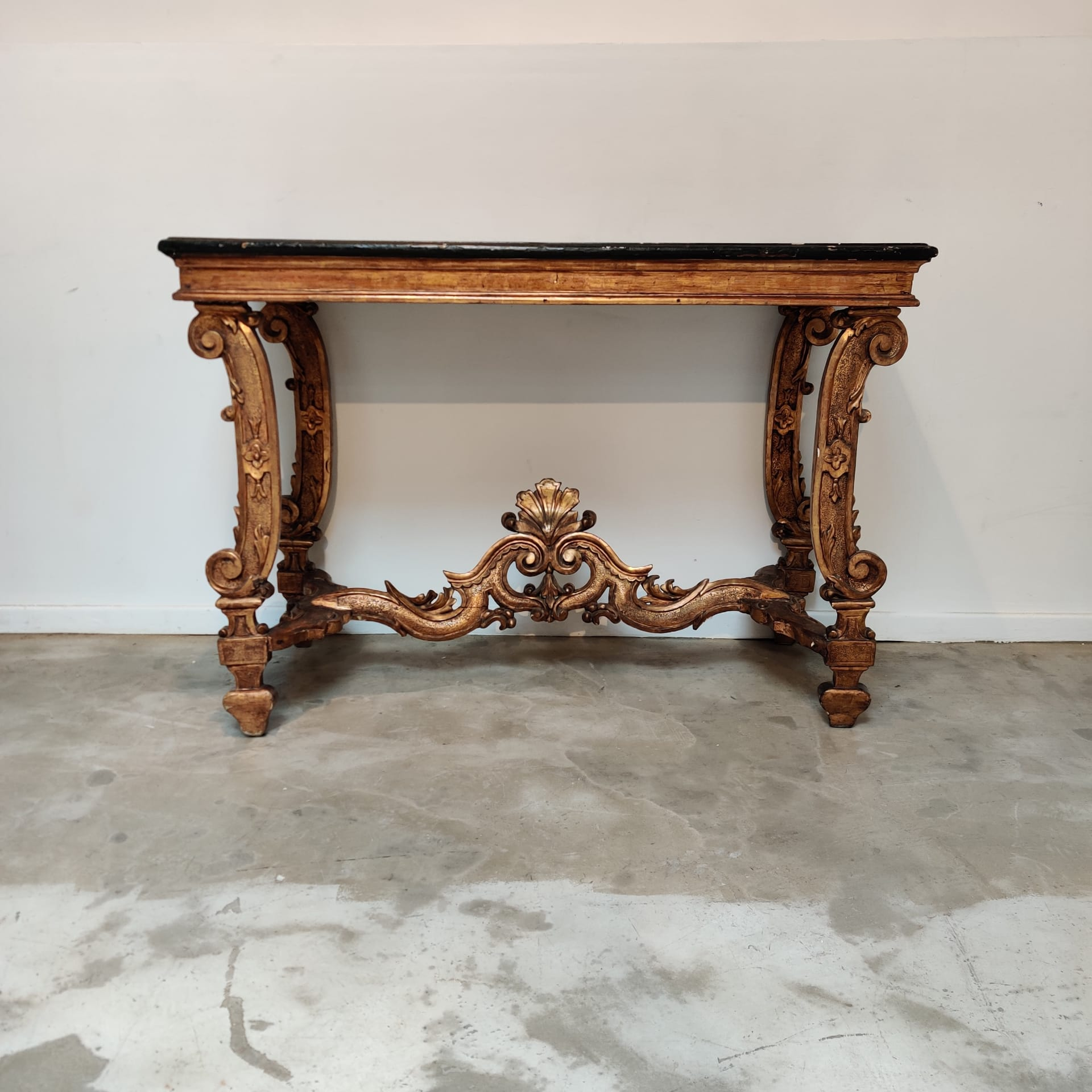 Italian XVIIIth century gilted wood console