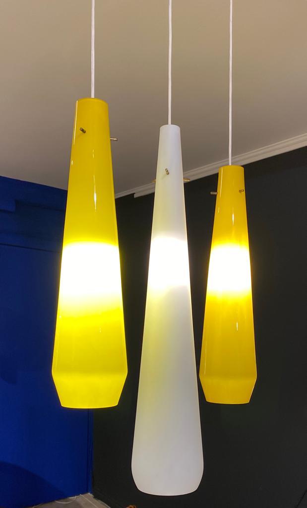 Set of 3 yellow & white lamps