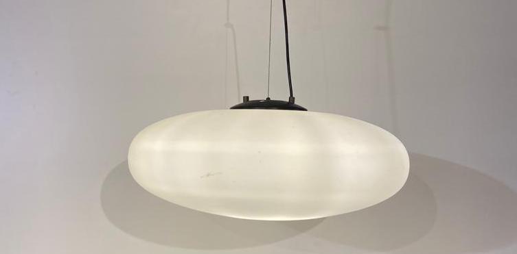 Large circular opaline ceiling lamp